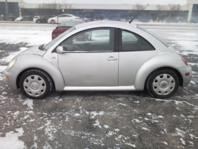 Photo 01 Volkswagen 2.0L 4 Cyl ABS Side Airbags SAFE Great MPG Beetle Vw Bug