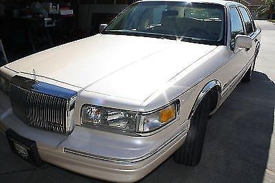 Photo 1997 Lincoln Town Car