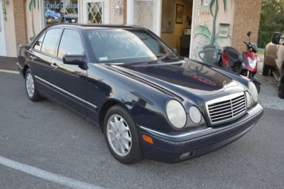 Photo 1998 MERCEDES BENZ E320 WATCH VIDEO NO ACCIDENTS CLEAN CARFAX