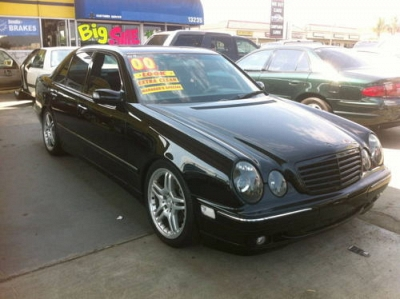 Photo 2000 Mercedes-Benz E430 AMG Package  Leather Moon Roof Runs Great