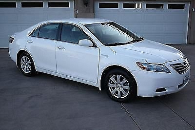 Photo 2007 Toyota Camry Hybrid Sedan--Loaded-- Below Blue Book