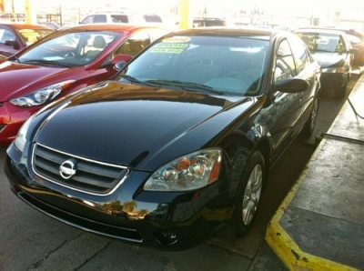 Photo 2004 Nissan Altima 2.5 S  Gas Saver 5-Speed Manual SALE