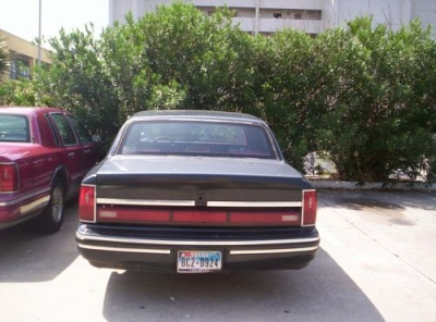 Photo Lincoln town car 1995 Red automatic 120 mi