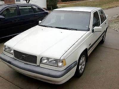 Photo 1996 Volvo 850 Base Sedan 4-Door 2.4L