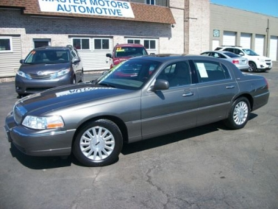 Photo 2004 Lincoln Town Car Ultimate
