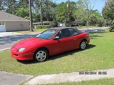 Photo RED HOT PONTIAC CONVERTIBLE