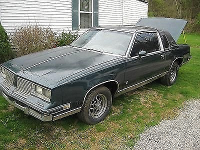 Photo 1984 Oldsmobile Cutlass Supreme Base Coupe 2-Door 5.0L