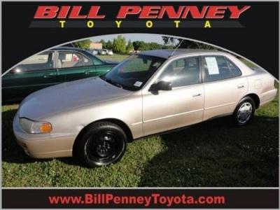 Photo 1995 Toyota Camry 4 Dr Sedan DX