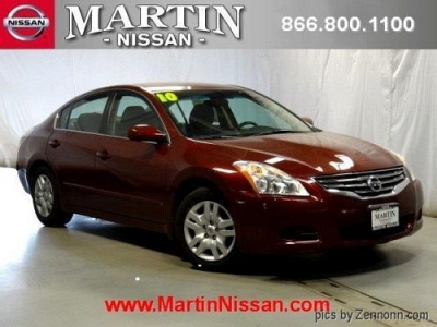 Photo 2010 Nissan Altima 4dr Car 2.5 S