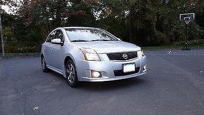 Photo 2012 Nissan Sentra SE-R Spec V Sedan 4-Door 2.5L