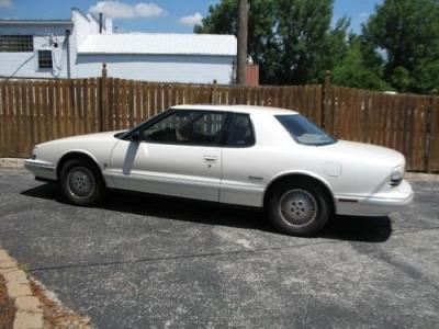 Photo 1991 Oldsmobile Toronado, Pearl White, 48K miles