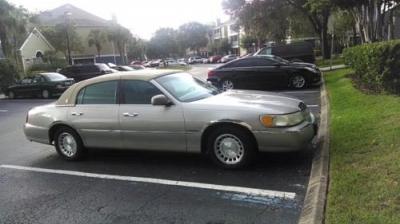 Photo 1999 Lincoln Town Car