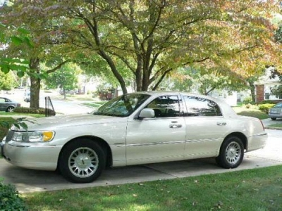 Photo 2001 Lincoln Town Car...Cartier model