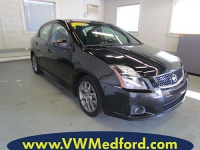 Photo 2011 Nissan Sentra  SE-R Spec V M6