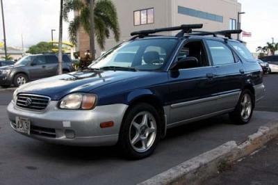 Photo 2001 Suzuki Esteem GL - Buy Here Pay Here Car Lot 96819 - 2499 Tel80