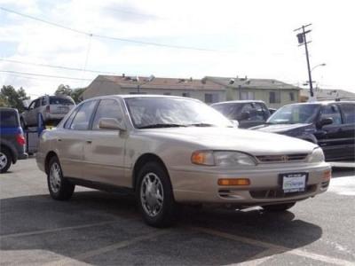 Photo 1995 Toyota Camry  4dr Sedan LE Auto V6