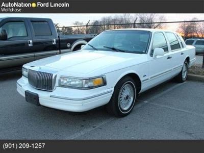 Photo 1996 Lincoln Town Car