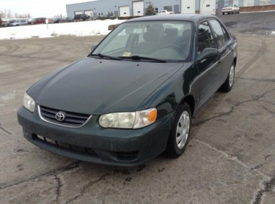 Photo 2001 Toyota Corolla 4cyl 1.8L engine Gas Saver Low Miles