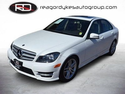 Photo 2013 Mercedes-Benz C-Class Sedan 4dr Sdn C300 Luxury 4MATIC