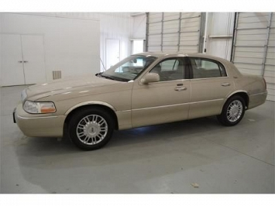Photo 2008 LINCOLN TOWN CAR 4 DOOR SEDAN