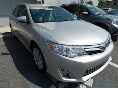 Photo 2012 Toyota Camry Hybrid Sedan XLE