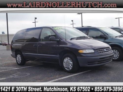 Photo 1996 Plymouth Voyager SE
