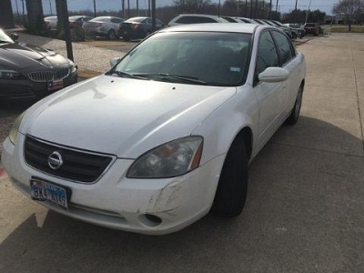 Photo 2002 Nissan Altima 4 Door Sedan