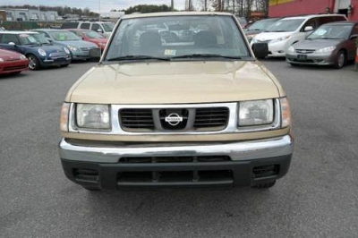 Photo 1998 Nissan Frontier XE4CYL5 Speed Manual
