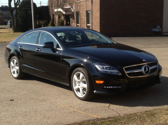 Photo 2013 Mercedes-Benz CLS550 4MATIC w Premium Package