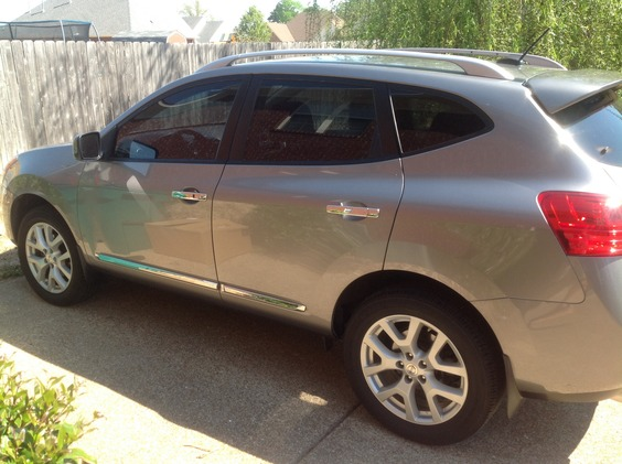 Photo 2012 Nissan Rogue AWD S Krom Edition