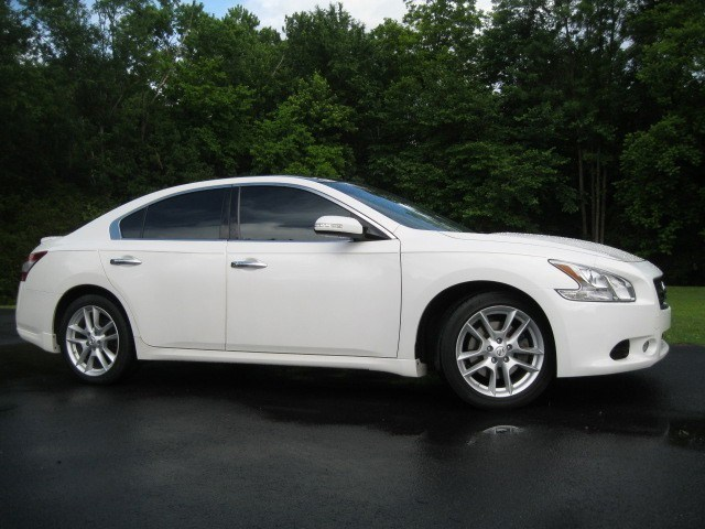 Photo 2009 Nissan Maxima 3.5 SV w Sport Package