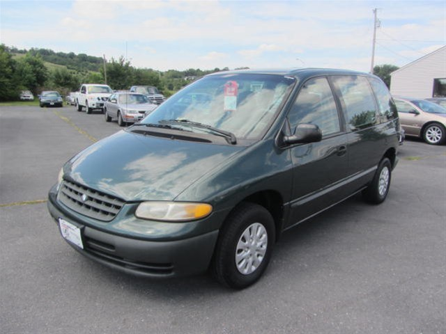 Photo 2000 Plymouth Voyager