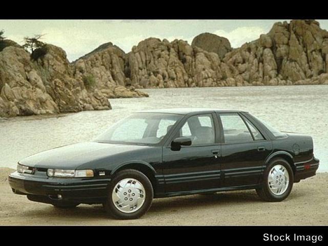 Photo 1995 Oldsmobile Cutlass Supreme SL Sedan