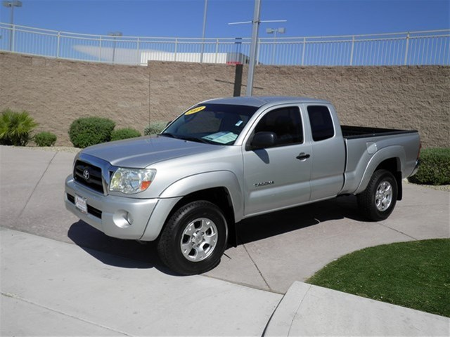 Photo 2005 Toyota Tacoma 2WD Access Cab PreRunner