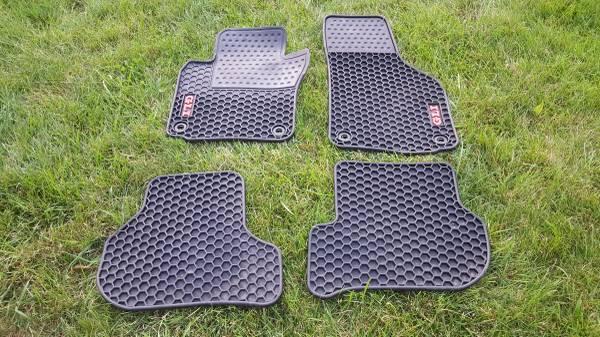 Photo 05 10 VW JETTA GLI OEM ALL WEATHER FLOOR MAT SET - $65 (Quakertown)