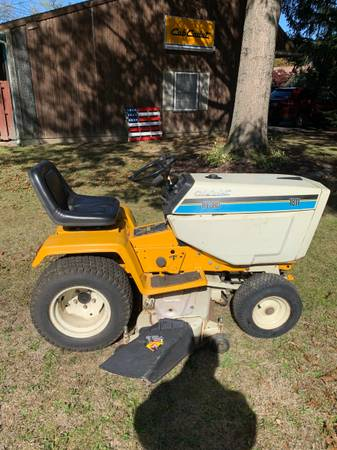 Photo 1811 Cub Cadet Garden Tractor with a 46quot deck - $800 (Richlandtown)