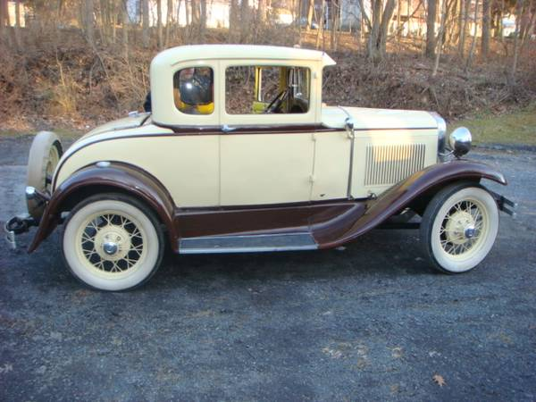 Photo 1930 Ford Rumble Seat Coupe - $10000 (Coopersburg)