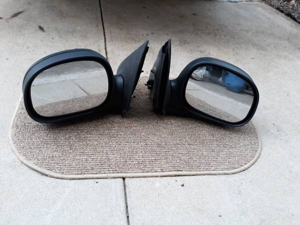Photo 1997- 2003 ford f150 mirrors - $25 (whitehall)
