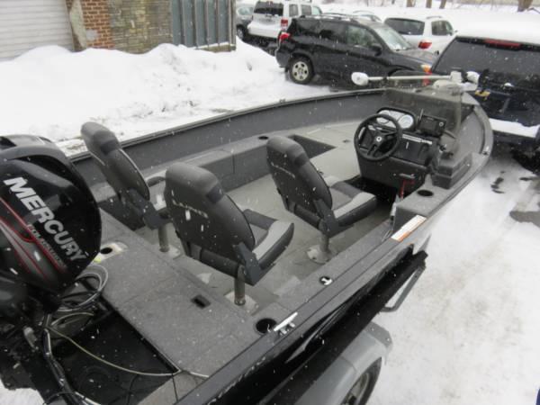 Photo 2017 Lund 1650 Rebel XS XL - $18,900 (Bangor)