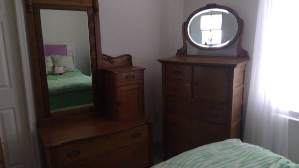 Photo Antique Matching Dressers Incredible Details, Beautiful Pieces (Nazareth)