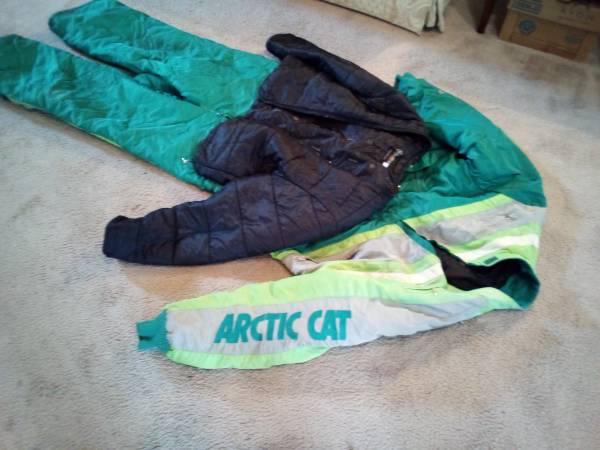Photo Arctic Cat Snowmobile Suit - $10 (Bethlehem, Pa.)