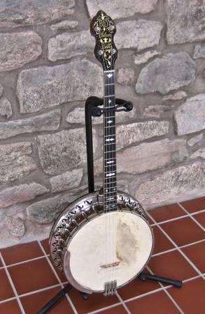 Photo Bacon  Day Silver Bell 1 Custom (c.1927) Tenor Banjo - $1,100 (Barto)