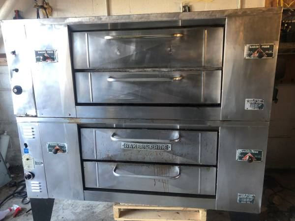 Photo Bakers Pride Pizza Ovens - $2900 (PA)