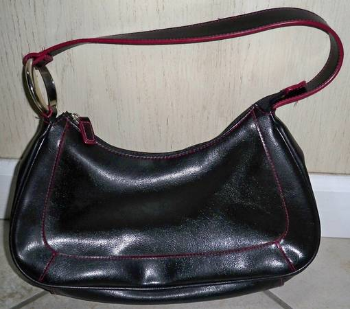 Photo Black and Pink Purse - $5 (Easton)