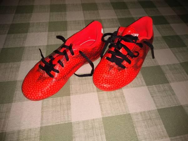 Photo Boys Adidas soccer cleats - $6 (North Catasauqua)