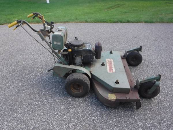 Photo COMMERCIAL WALK BEHIND MOWER  GOODALL 12.5 HP 523939 CUT - $295 (Lansdale)