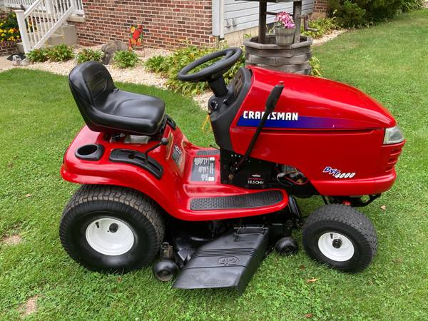 Photo CRAFTSMAN DYT4000 LAWN TRACTOR - 269 HOURS - $550 (PALMERTON)