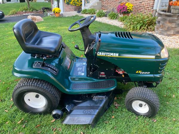 Photo CRAFTSMAN LT1000 LAWN TRACTOR - EXCELLENT CONDITION - $500 (PALMERTON)