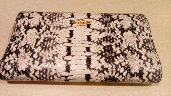 Photo Coach Snakeskin Womens Wallet Great Cond - $40 (Bethlehem Twp., PA)