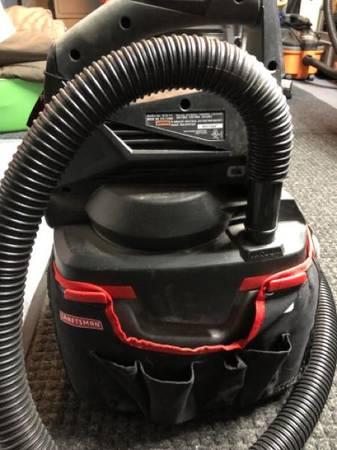 Photo Craftsman 19.2v WetDry shop vac Vacuum C3 - $40 (Catasauqua)